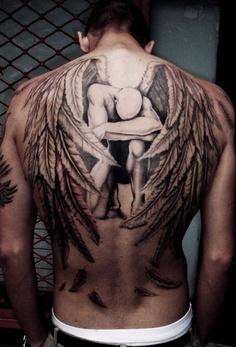tatouage ange dos femme