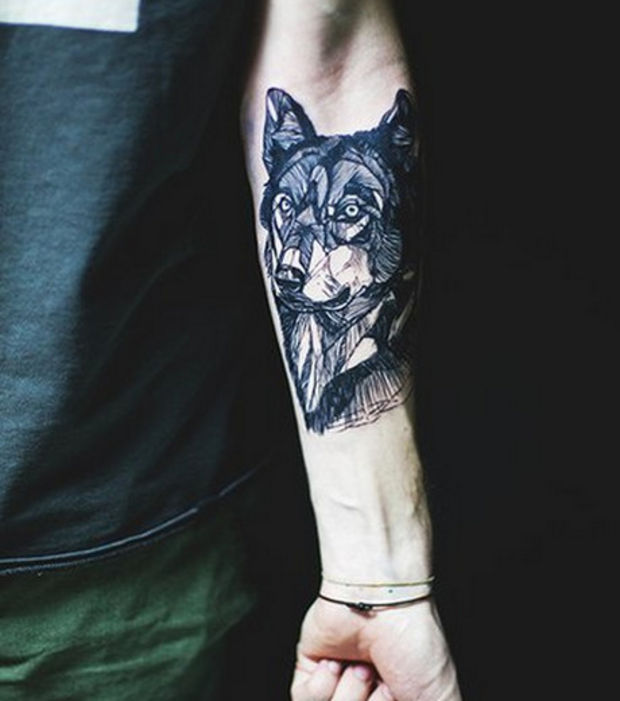 tatouage avant bras loup