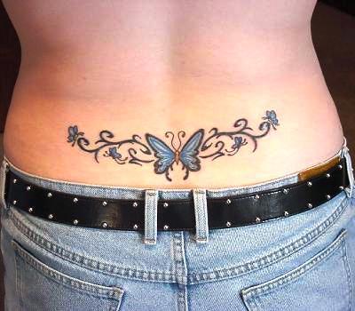 tatouage bas du dos femme papillon