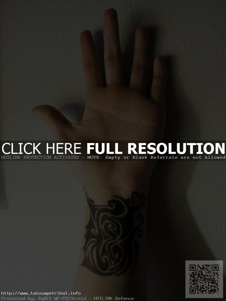 tatouage bracelet poignet homme tribal