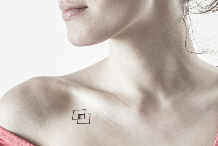 tatouage discret aine