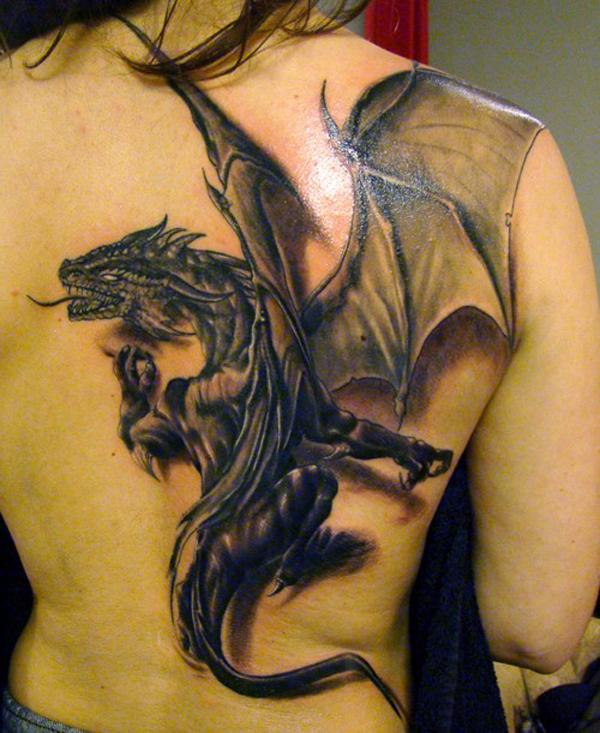 Tatouage dragon celtique noir
