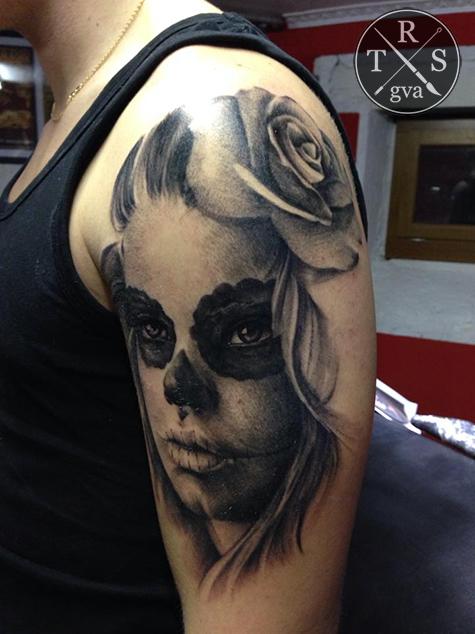 tatouage fille gothique