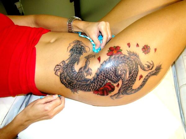tatouage japonais ventre