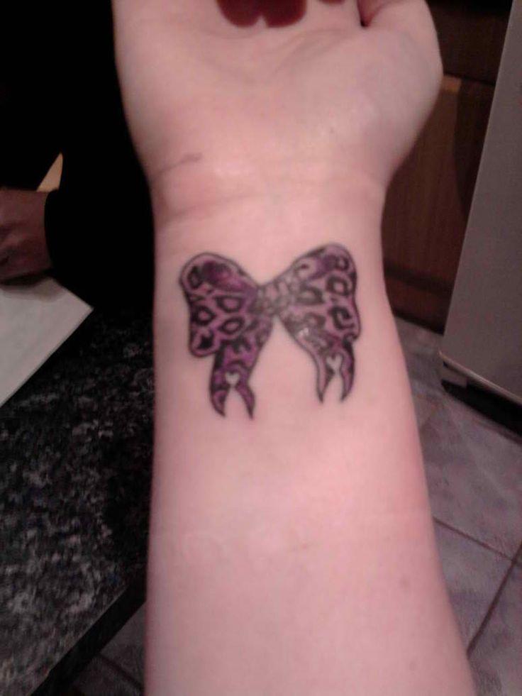 tatouage noeud noir