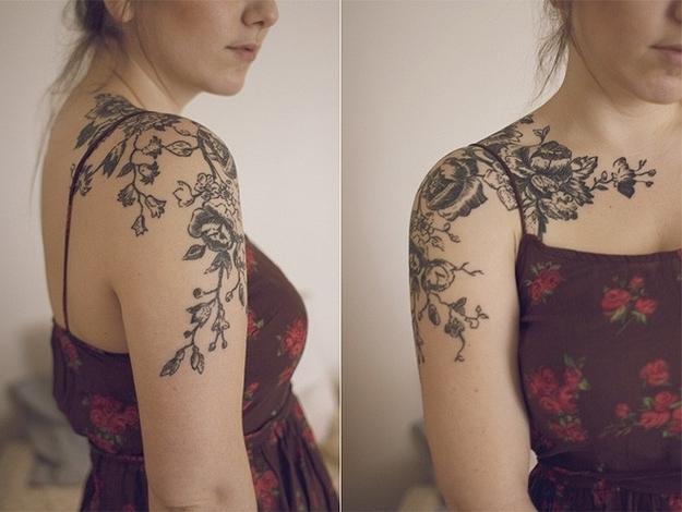 tatouage oiseau fleur