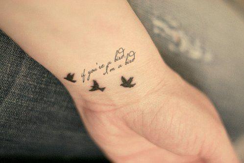 Tatouage oiseau hommage