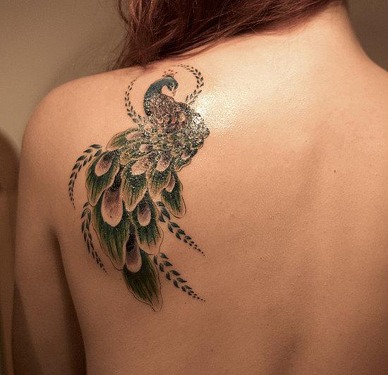 tatouage omoplate fille