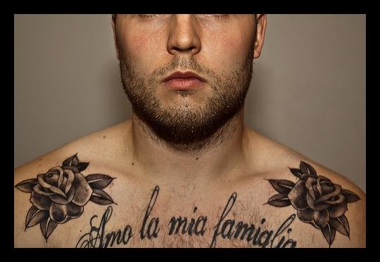 tatouage phrase famille italien