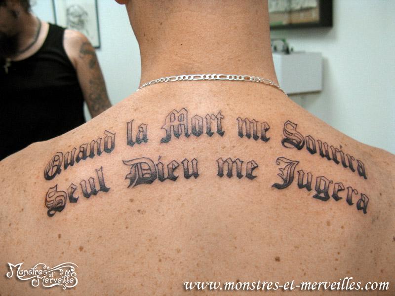 Tatouage phrase francais homme