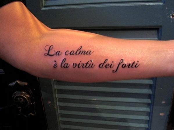 Tatouage phrase italienne pour la famille