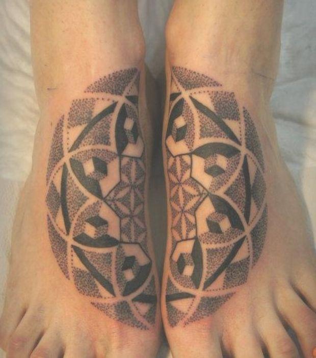 tatouage pieds homme