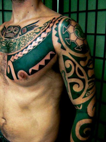 tatouage recouvrement pectoraux