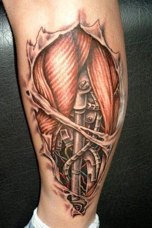 tatouage style biomécanique