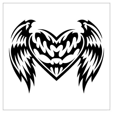 tatouage tribal avec un coeur