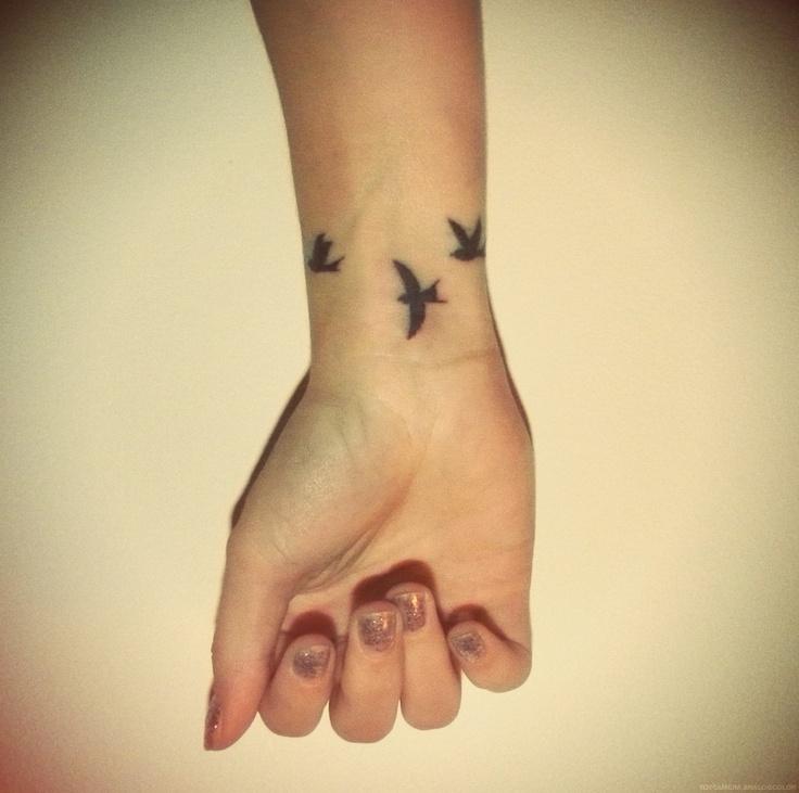 tatouage trois oiseaux